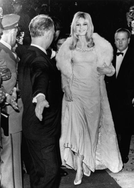 "Brigitte Bardotat the premiere of ""Viva Maria""December 21, 1965 - Image 2043_0044"
