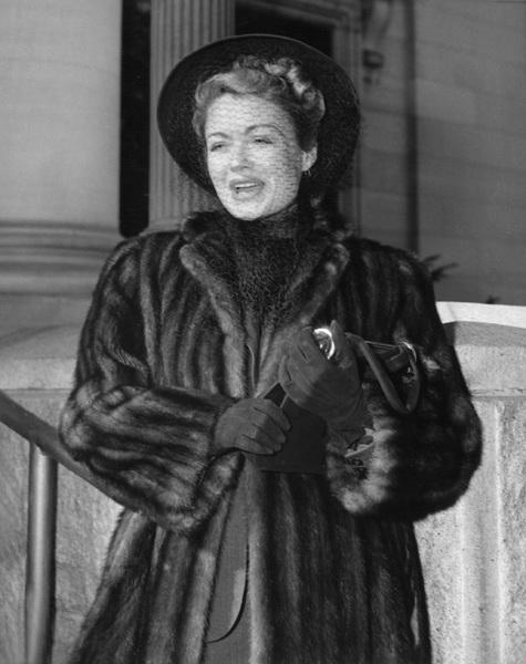 Constance Bennettcirca 1940 - Image 2067_0019