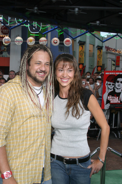 """Battle At Shaker Heights"" Premiere 8-11-03Shannon Elizabeth and husband Joe ReitmanPhoto by Sam Kweskin - Image 21404_0240"