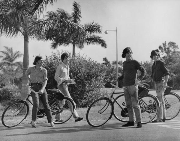 """Help""George Harrison, John Lennon, Paul McCartney,  and Ringo Starr1965 UA**I.V. - Image 21431_0020"