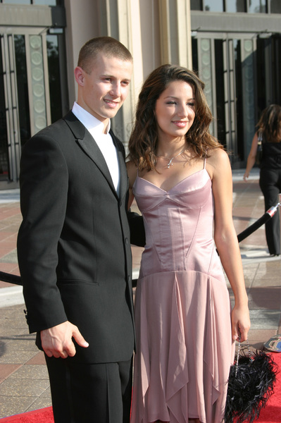 """Emmy - Creative Art Awards""9-13-2003Will Estes, Vanessa LengiesPhoto by Sam Kweskin - Image 21501_0242"