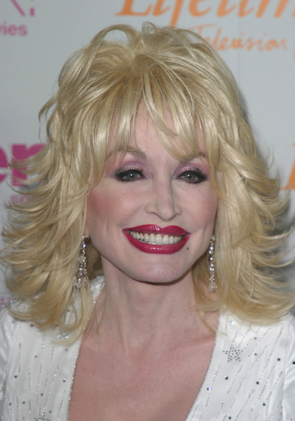 """Women in Rock 4th Annual concert for the fight against breast cancer""  09/30/03Dolly Parton - Image 21590_0295"