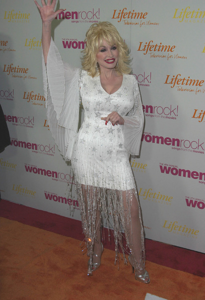 """""""Women in Rock 4th Annual concert for the fight against breast cancer"""" 09/30/03 Dolly Parton   - Image 21590_0297"""