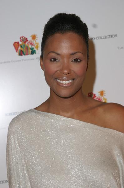 Elizabeth Glaser Pediatric AIDS Foundation Fundraiser at Neiman Marcus  12/10/03Aisha TylerMPTV - Image 21590_0723
