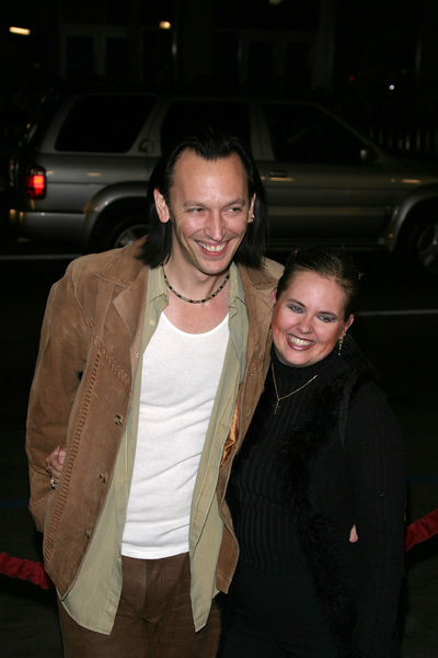 """Paycheck"" Premiere 12/18/03Steve Valentine and wife ShariPhoto By Sam Kweskin - Image 21686_0013"