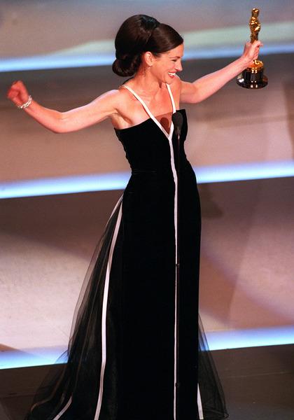 """73rd Annual Academy Awards"" 03/25/01Julia Roberts © 2001 AMPAS/MPTV - Image 21724_0005"