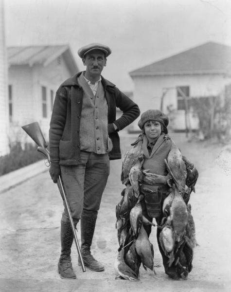 Jackie Coogan with his father c. 1925 **I.V. - Image 2222_0743