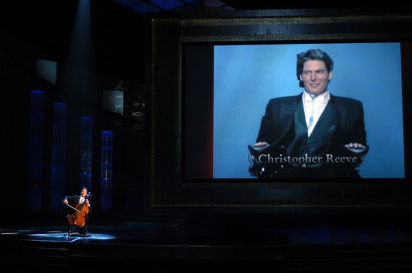 Cellist Yo-Yo Ma performs during the Memorial Tribute during the 77th Annual Academy Awards at the Kodak Theatre in Hollywood, CA on Sunday, February 27, 2005.  HO/AMPAS - Image 22270_0223