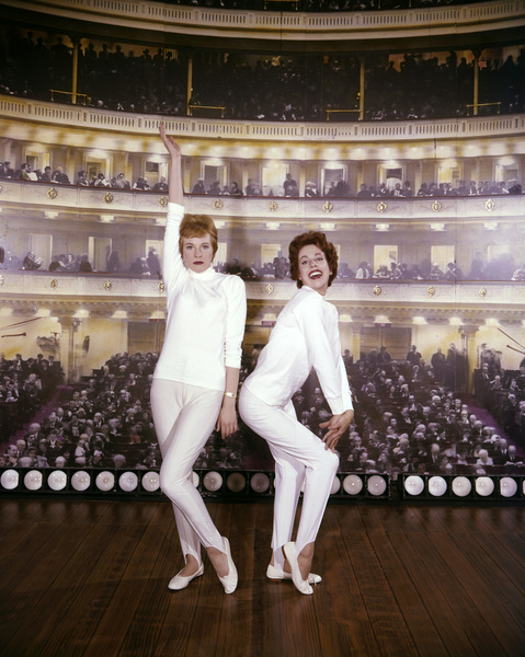 """Julie and Carol at Carnegie Hall""Carol Burnett, Julie Andrews1962** I.V. - Image 22727_0971"
