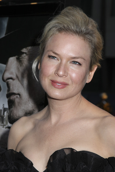"""""""Appaloosa"""" PremiereRenee Zellweger 9-17-08 / The Academy Theatre / Beverly Hills, CA / New Line Cinema / Photo by Max Rodeo - Image 23611_0005"""