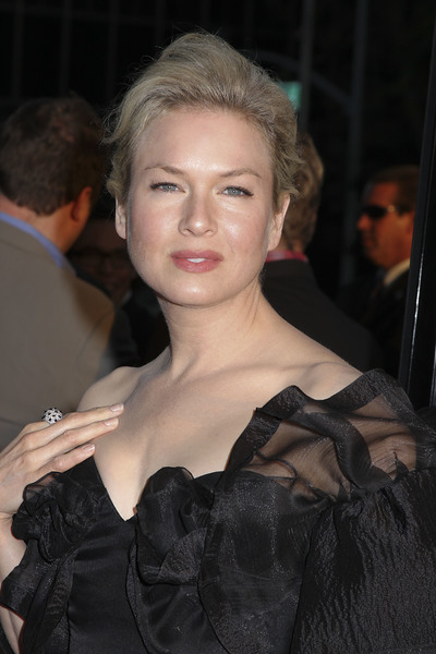 """""""Appaloosa"""" PremiereRenee Zellweger 9-17-08 / The Academy Theatre / Beverly Hills, CA / New Line Cinema / Photo by Max Rodeo - Image 23611_0007"""