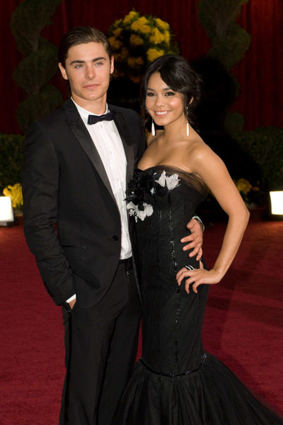 """""""The 81st Annual Academy Awards"""" (Arrivals)Zac Efron, Vanessa Hudgens02-22-2009Photo by Bryan Crowe © 2009 A.M.P.A.S. - Image 23704_0044"""