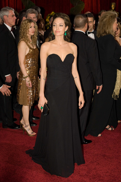 """""""The 81st Annual Academy Awards"""" (Arrivals)Angelina Jolie02-22-2009Photo by Bryan Crowe © 2009 A.M.P.A.S. - Image 23704_0245"""