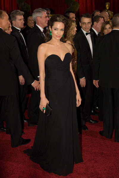 """""""The 81st Annual Academy Awards"""" (Arrivals)Angelina Jolie02-22-2009Photo by Bryan Crowe © 2009 A.M.P.A.S. - Image 23704_0246"""