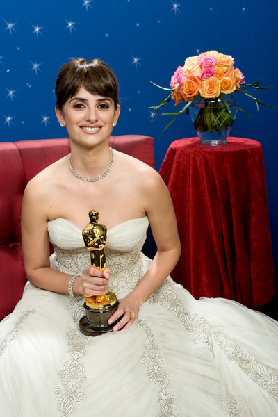 """""""The 81st Annual Academy Awards"""" (Backstage)Penelope Cruz02-22-2009Photo by Todd Wawrychuk © 2009 A.M.P.A.S. - Image 23704_0258"""