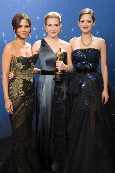 """""""The 81st Annual Academy Awards"""" (Backstage)Halle Berry, Kate Winslet, Marion Cotillard02-22-2009Photo by Todd Wawrychuk © 2009 A.M.P.A.S. - Image 23704_0282"""