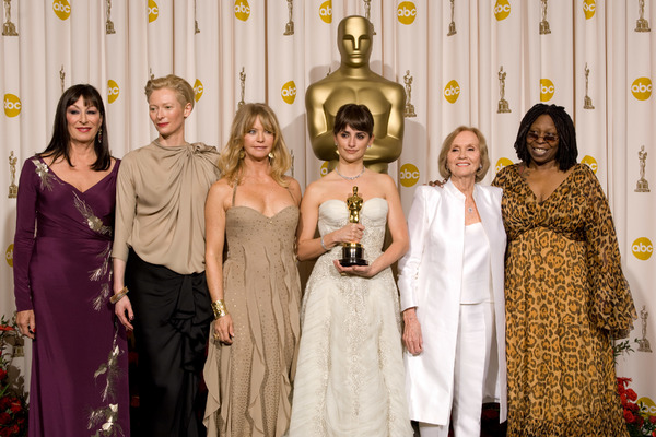 """The 81st Annual Academy Awards"" (Press Room)Anjelica Huston, Tilda Swinton, Goldie Hawn, Penelope Cruz, Eva Marie Saint, Whoopi Goldberg02-22-2009Photo by Bryan Crowe © 2009 A.M.P.A.S. - Image 23704_0284"