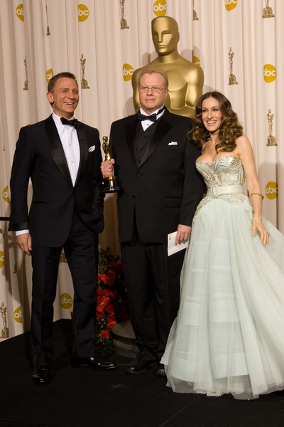 """The 81st Annual Academy Awards"" (Press Room)Greg Cannom, Daniel Craig, Sarah Jessica Parker02-22-2009Photo by Bryan Crowe © 2009 A.M.P.A.S. - Image 23704_0296"