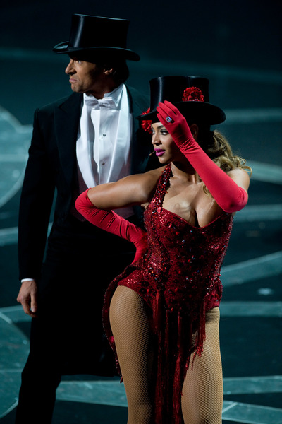 """""""The 81st Annual Academy Awards"""" (Telecast)Hugh Jackman, Beyonce Knowles02-22-2009Photo by Darren Decker © 2009 A.M.P.A.S. - Image 23704_0467"""