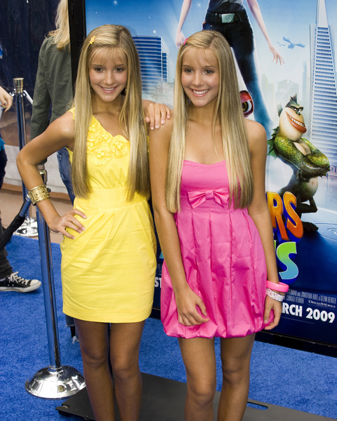 """Monsters vs. Aliens"" (Premiere)Camilla Rosso, Rebecca Rosso03-22-2009 / Gibson Amphitheatre / Universal City, CA / DreamWorks / Photo by Benny Haddad - Image 23707_0066"