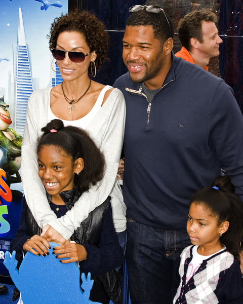 """Monsters vs. Aliens"" (Premiere)Nicole Murphy, Michael Strahan 03-22-2009 / Gibson Amphitheatre / Universal City, CA / DreamWorks / Photo by Benny Haddad - Image 23707_0461"