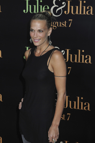 """Julie & Julia"" Premiere  Molly Sims7-27-2009 / Mann Village Theater / Westwood, CA / Sony Pictures / Photo by Heather Holt - Image 23754_0274"