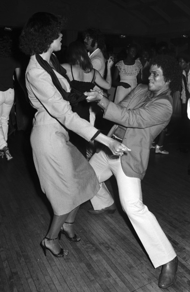 Benny Medina dancing with Angie Sylvers at a disco in Los Angeles 1978 © 1978 Bobby Holland - Image 23837_0003