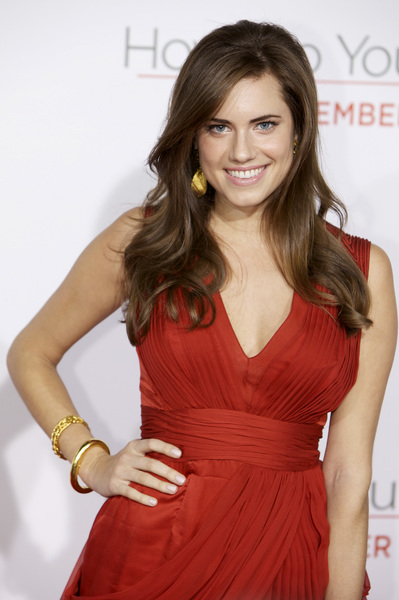 """""""How Do You Know"""" Premiere  Allison Williams12-13-2010 / Mann Village Theatre / Westwood CA / Columbia Pictures / Photo by Imeh Akpanudosen - Image 23998_0004"""