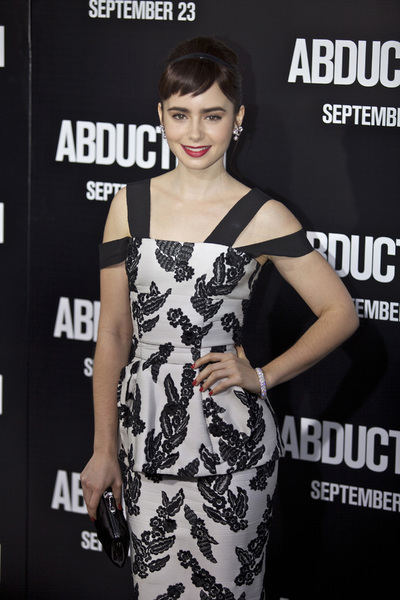 """""""Abduction"""" PremiereLily Collins8-15-2011 / Grauman's Chinese Theater / Los Angeles / Lionsgate / Photo by Kristin Kirgan - Image 24099_0152"""