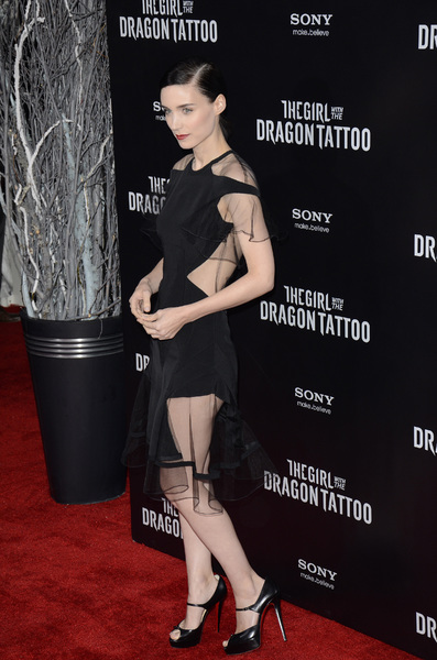 """""""The Girl with the Dragon Tattoo"""" Premiere Rooney Mara12-14-2011 / Ziegfeld Theater / New York NY / Sony Pictures / Photo by Eric Reichbaum - Image 24142_0156"""
