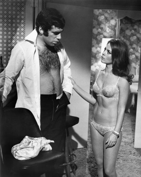 "Elliott Gould and Natalie Wood in ""Bob & Carol & Ted & Alice"" 1969 Columbia ** I.V. - Image 24287_0047"
