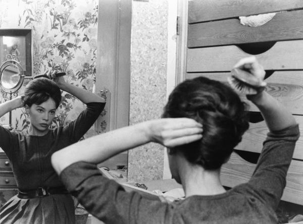 "Leslie Caron in ""The L-Shaped Room"" 1962 Columbia ** I.V. - Image 24287_0071"