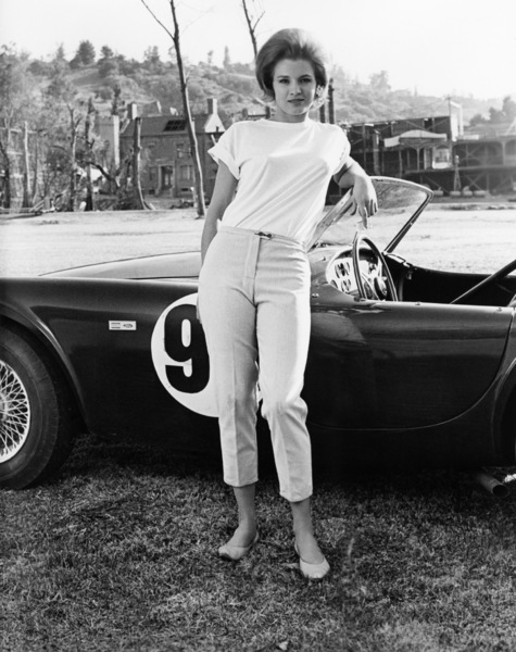 """Angie Dickinson in """"The Killers"""" with a Ford 289 Cobra1964 Universal** B.D.M. - Image 24293_0283"""