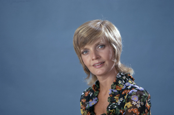 "Florence Henderson in ""The Brady Bunch""circa 1970s** B.D.M. - Image 24293_1492"