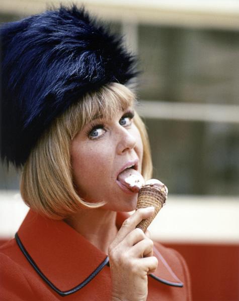 Doris Daycirca 1969** B.D.M. - Image 24293_1843