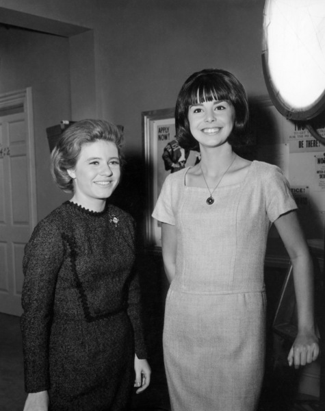 "Patty Duke and Miss Teenage America Colette Dauite on the set of ""The Patty Duke Show"" (Episode: Cathy Leaves Home - But Not Really)1965** B.D.M. - Image 24293_1951"