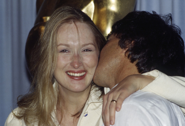 """Meryl Streep and Dustin Hoffman backstage at """"The 52nd Annual Academy Awards"""" ceremony at the Dorothy Chandler PavilionApril 14, 1980** B.D.M. - Image 24293_1974"""