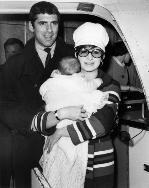 "Elliott Gould, Jason Gould and Barbra Streisand arrive in Hollywood for filming of ""Funny Girl""1967** B.D.M. - Image 24293_2106"