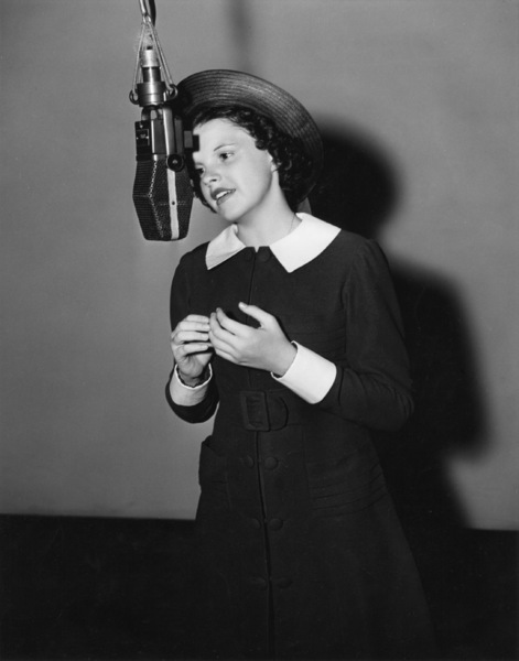"Judy Garland recording a song for the MGM musical, ""Broadway Melody of 1938""1937** B.D.M. - Image 24293_2776"