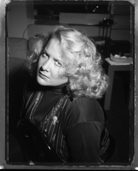 Nikki Finke photographed at her home in New York City1993© 1993 Ken Shung - Image 24302_0030