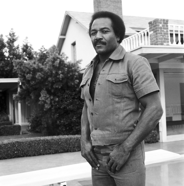 Jim Brown at his Hollywood Hills Home  1976© 1978 Bobby Holland - Image 24331_0072