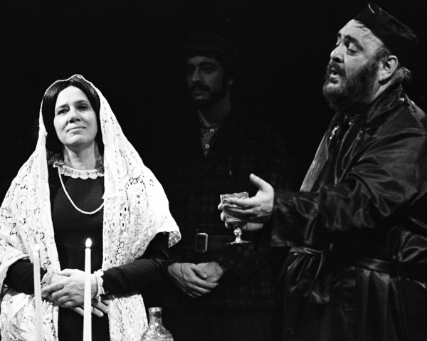 """Zero Mostel performing in """"Fiddler on the Roof"""" at Westbury Music Fair in New York 1971© 1978 Barry Kramer - Image 24354_0121"""