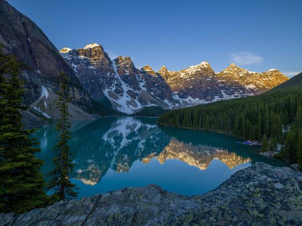 Moraine Lake in Banff National Park, Canada2017© 2017 Viktor Hancock - Image 24366_0035