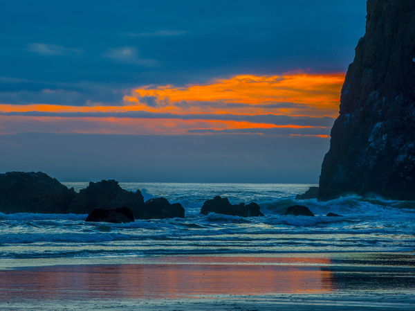 Haystack Rock at Cannon Beach, Oregon2016© 2017 Viktor Hancock - Image 24366_0044