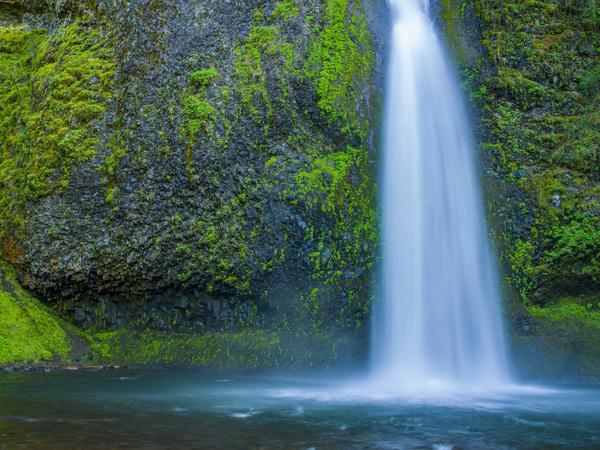 Multnomah Falls, Oregon2017© 2017 Viktor Hancock - Image 24366_0078