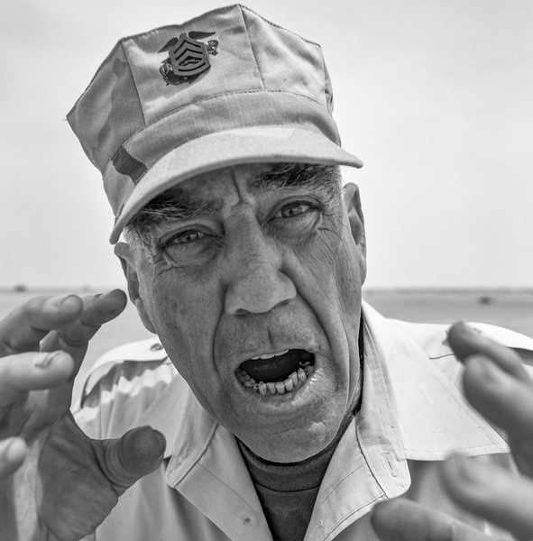 """R. Lee Ermey in Iraq filming the television show """"Mail Call""""2003© 2003 Viktor Hancock - Image 24366_0153"""