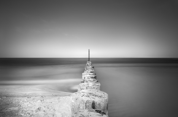 Aqua Serenity (Morning Breakers - United Arab Emirates)2016© 2016 Anthony Lamb - Image 24375_0028