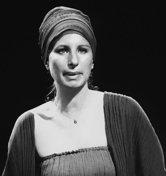 Barbra Streisand 1977© 1978 Steve Banks - Image 24377_0003