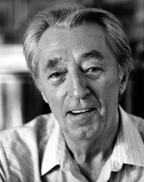 Robert Mitchum at his Montecito, California home 1988© 1988 Steve Banks - Image 24377_0042