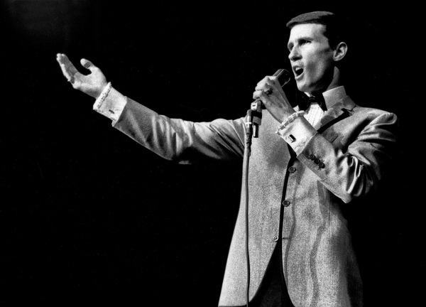 Bill Medley of The Righteous Brothers performing at the Cocoanut Grove1965© 1978 Steve Banks - Image 24377_0071